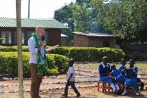 Prof. Dr. Alois Stimpfle bei seiner Rede an der Uhola Primary School